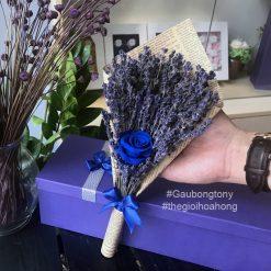 Bó hoa lavender kèm hoa hồng xanh