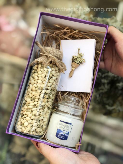Hộp quà tặng lọ trà lài nến thơm Yankee Candle Midnight Jasmine