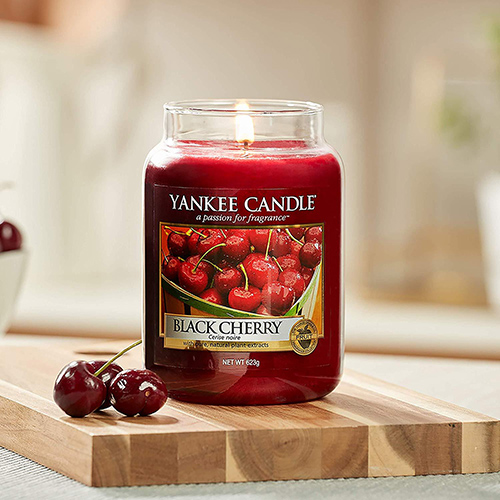 Nến thơm Yankee Candle Black Cherry
