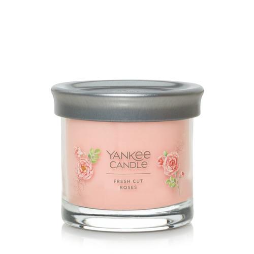 Nến Yankee Candle Fresh Cut Roses Signature Tumbler