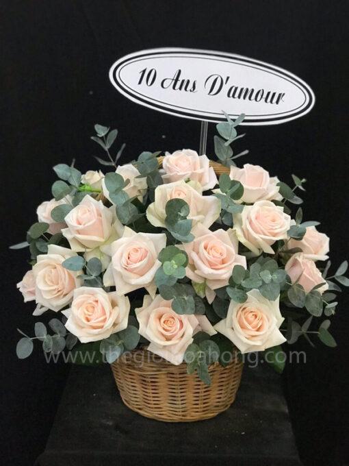 Giỏ hoa hồng thanh tao
