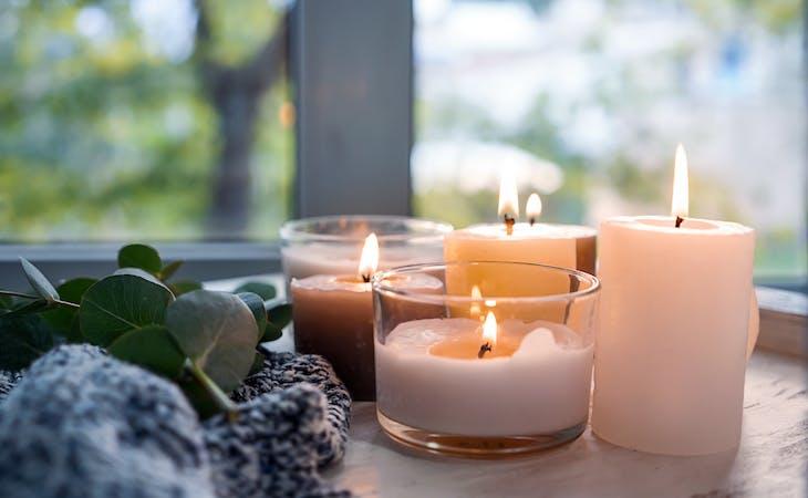 Những mùi hương nến tốt nhất cho chứng mất ngủ